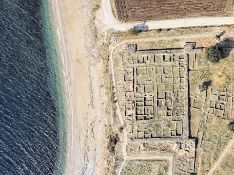 Αρχαιολογικός χώρος (κάθετα).